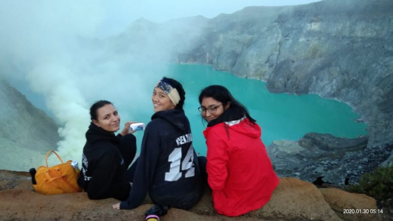 Ijen Background thalia travel